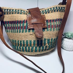 vintage boho straw bucket bag purse with leather